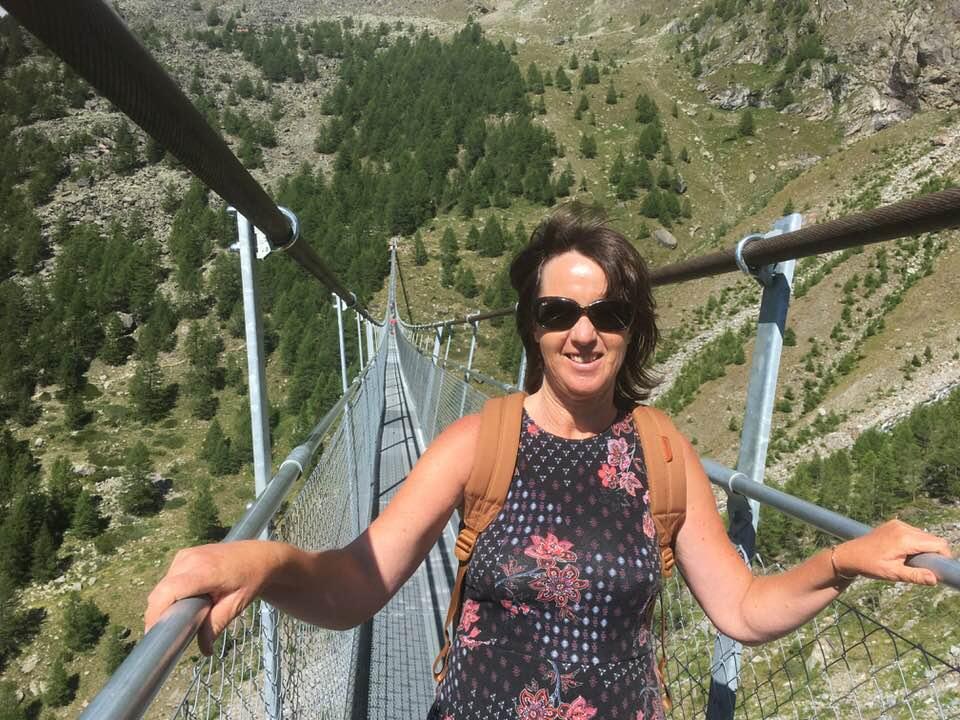 Мануела Малеева посети най-дългия висящ мост в света